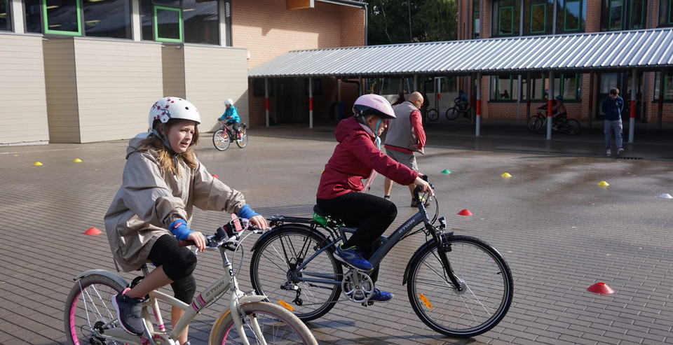 pro_velo_bike_bicycle_teacher_teaching_school_brevet_du_cycliste