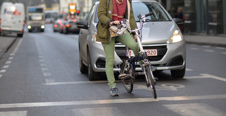 pro_velo_bicycle_bike_rule_positionning_advices